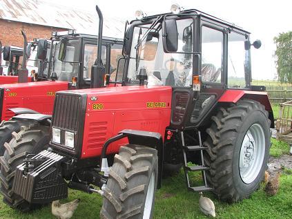 TRAKTOR MTZ Bielorusko 820 Traktor 82km