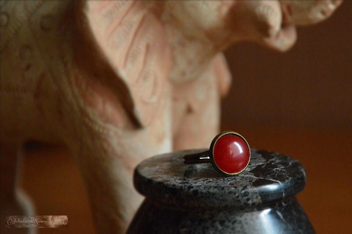 Červený achát Krúžok, Kolekcia vintage Galéria