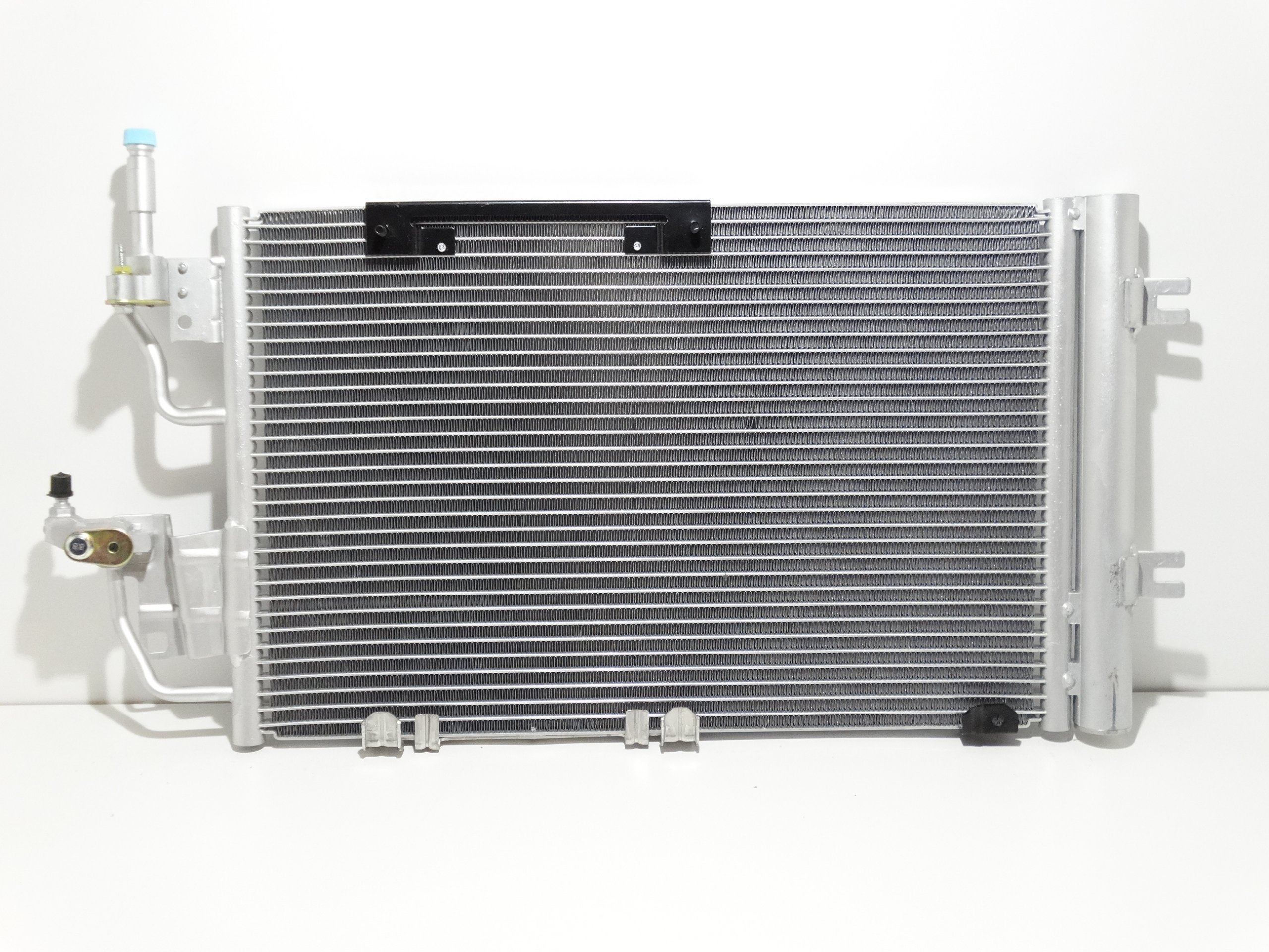 радиатор кондиционирования воздуха opel zafira b 17 19 cdti