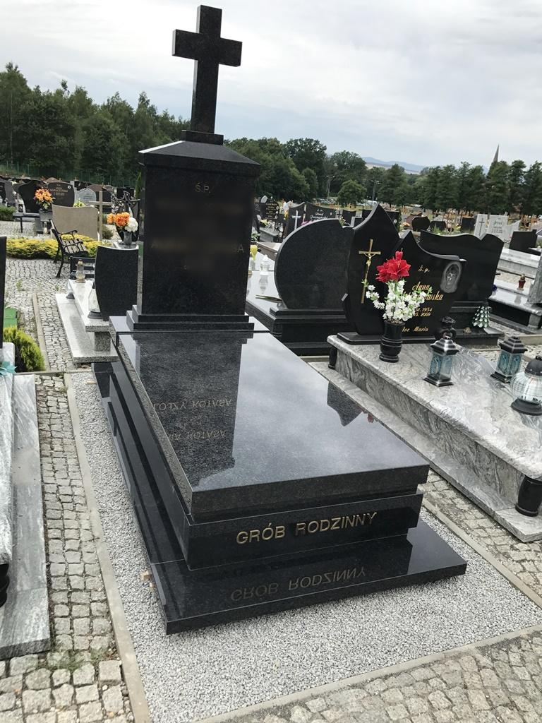Item HEADSTONE MONUMENTS TOMBSTONE MONUMENT BODY