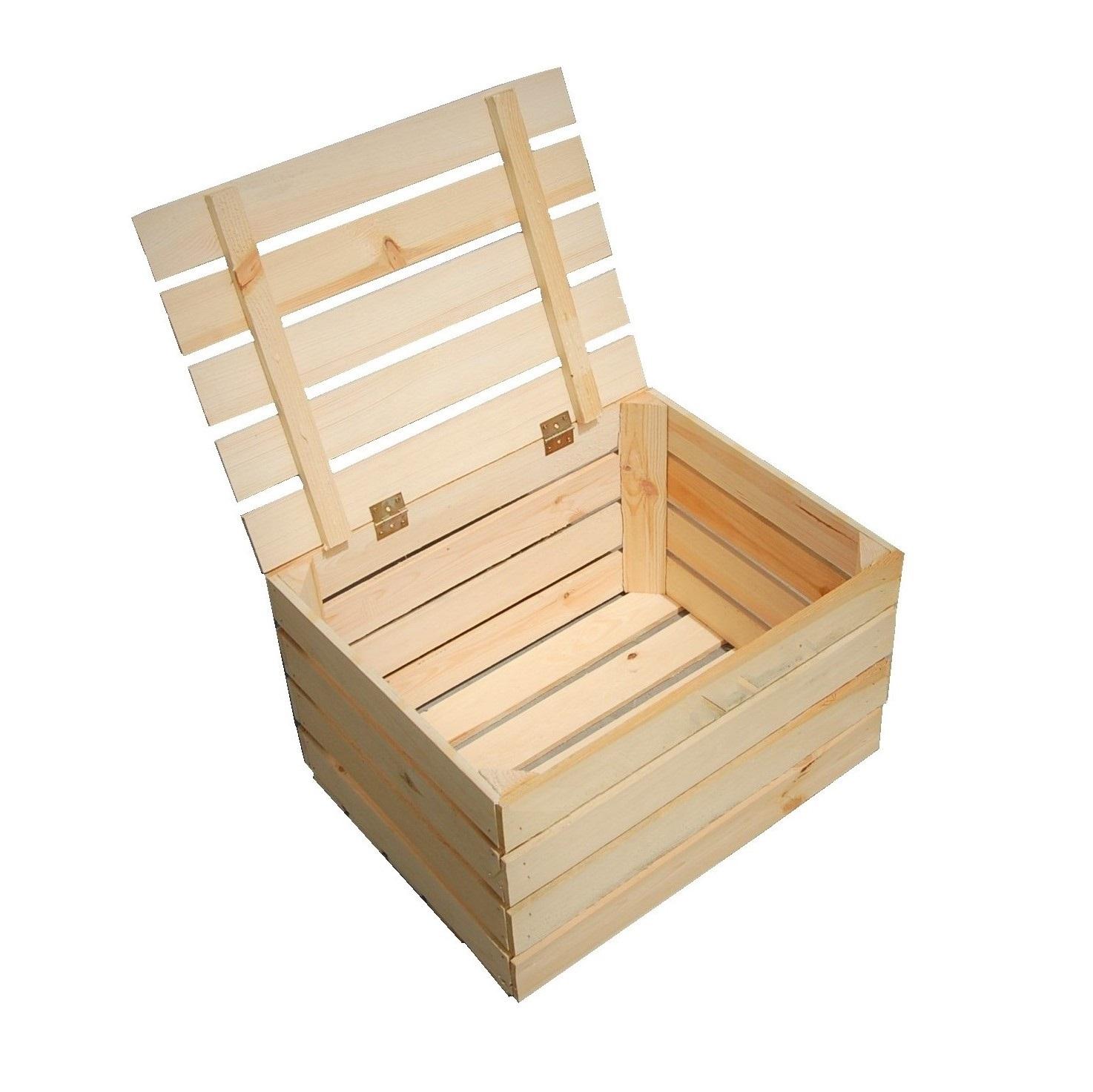 Деревянные ящики закрытые крышкой багажника