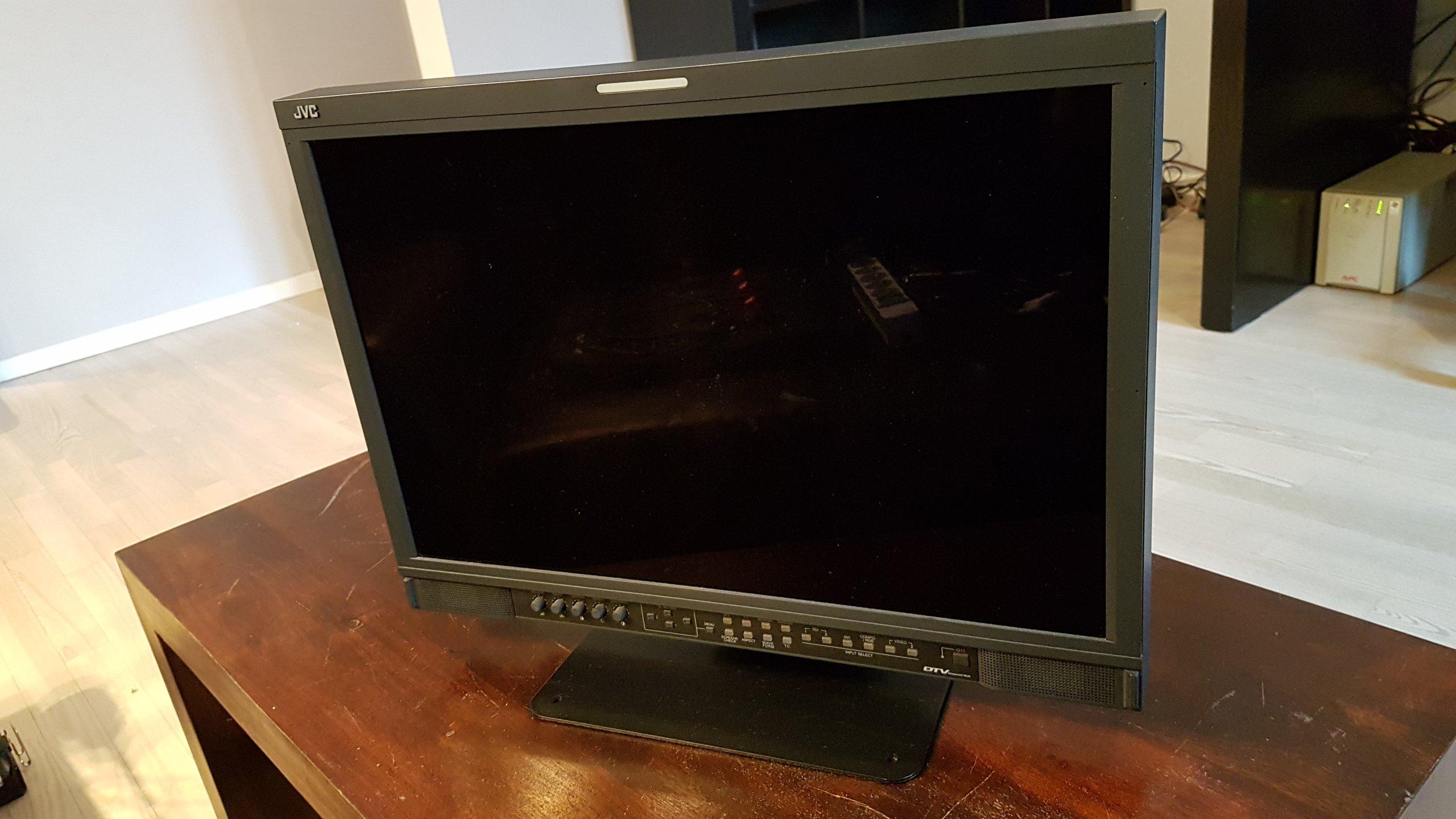 JVC DT-V24L3D pro monitor SDI