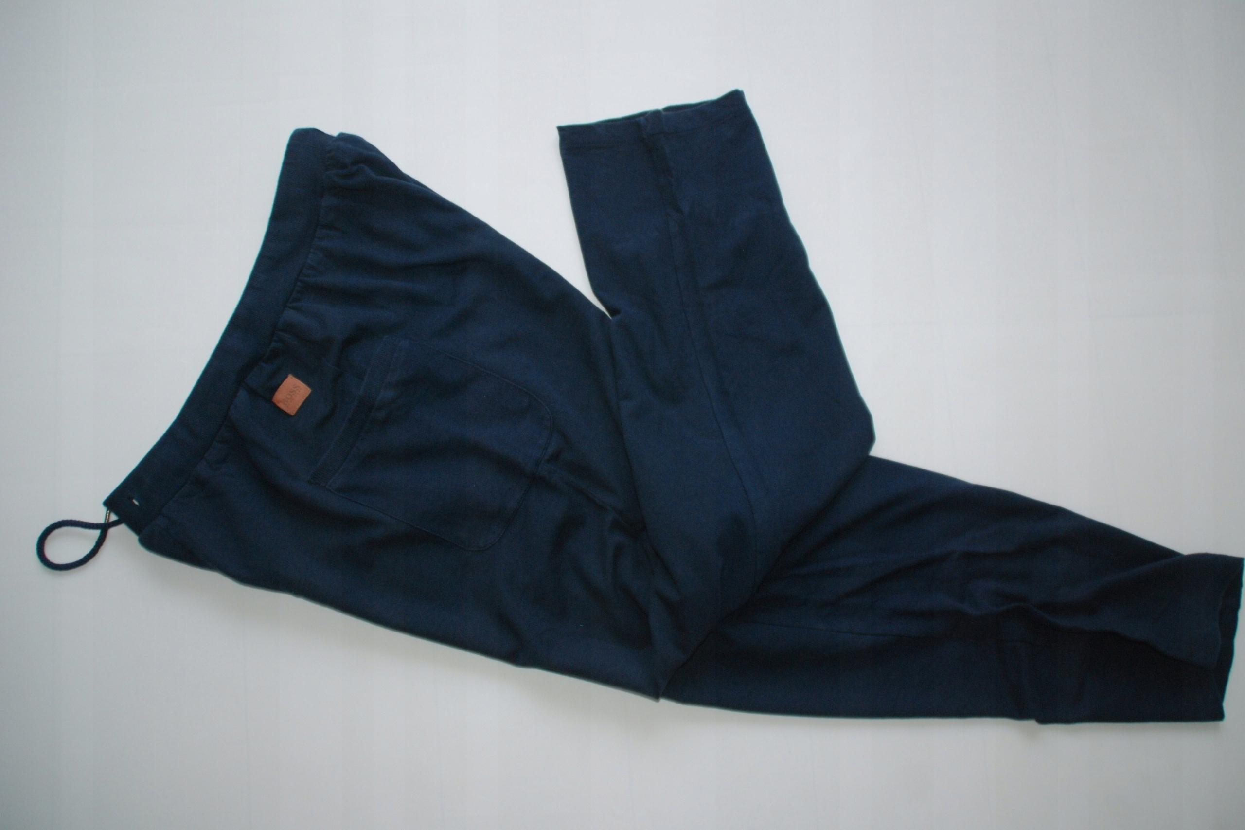 HUGO BOSS granatowe spodnie dresowe L