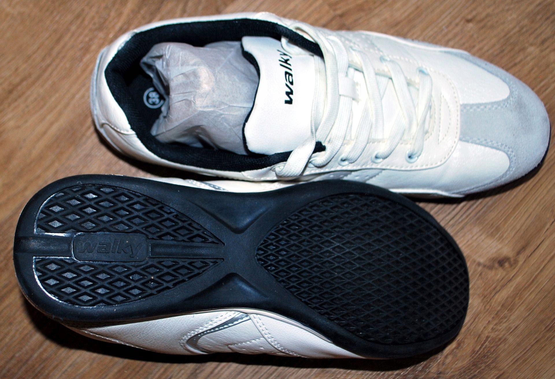 4a6447389b8ff Walky Białe Buty Firmy Damskie Sportowe Oficjalne 7691024963 rqIwItF