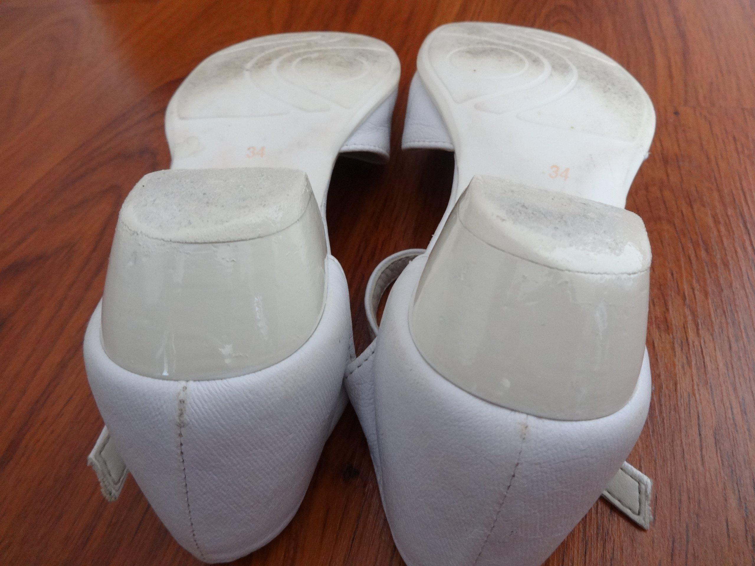 e7e353157d Alba komunijna 122-128 cm BDB buty r. 34 gratis - 7254662972 ...