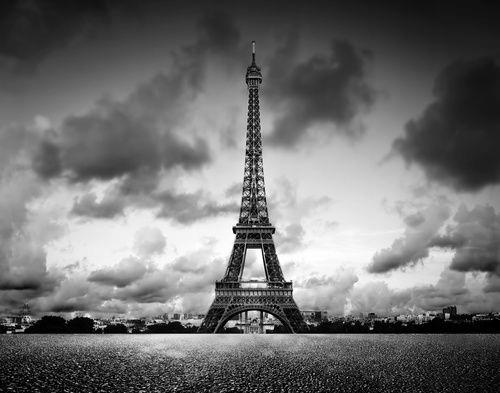 Fototapeta na wymiar Wieża Eiffla Paryż