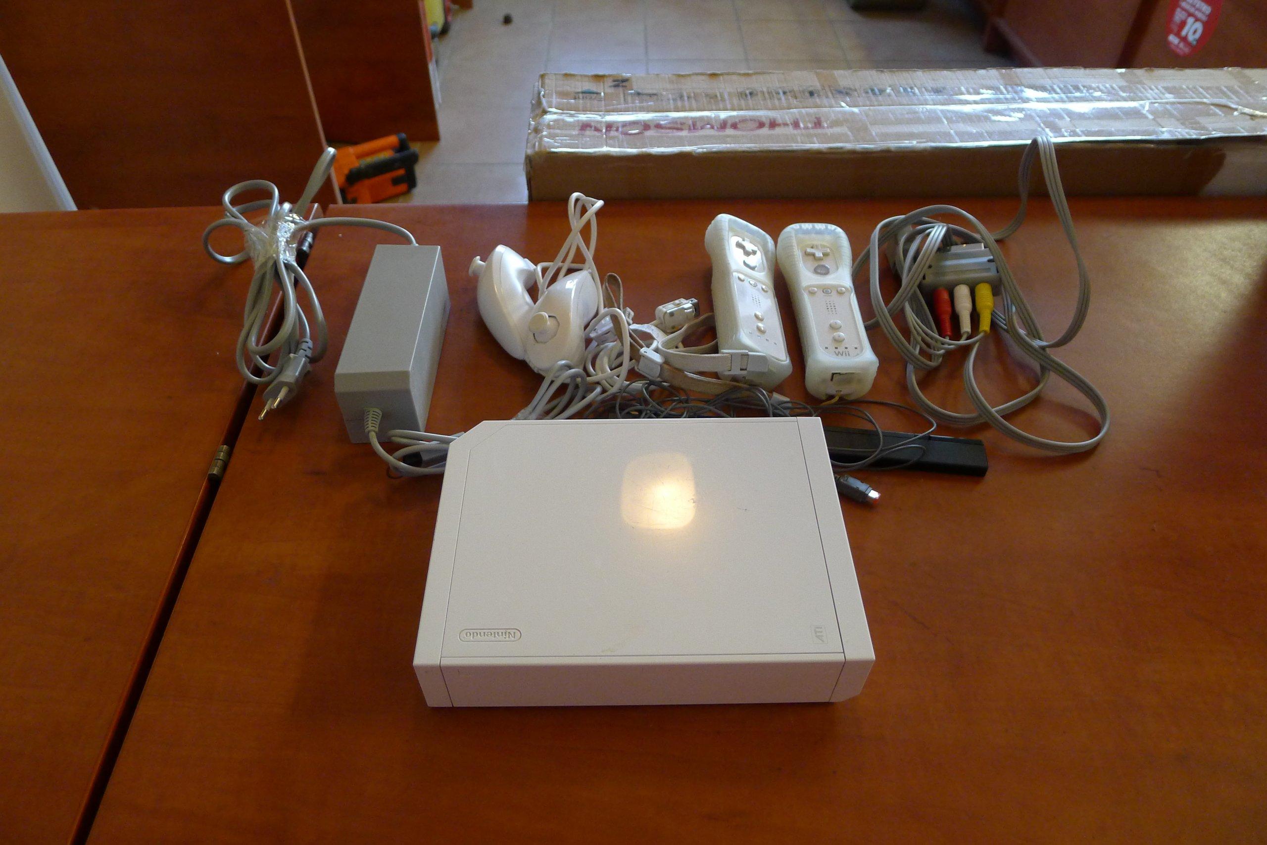 Konsola Nintendo Wii ; używana