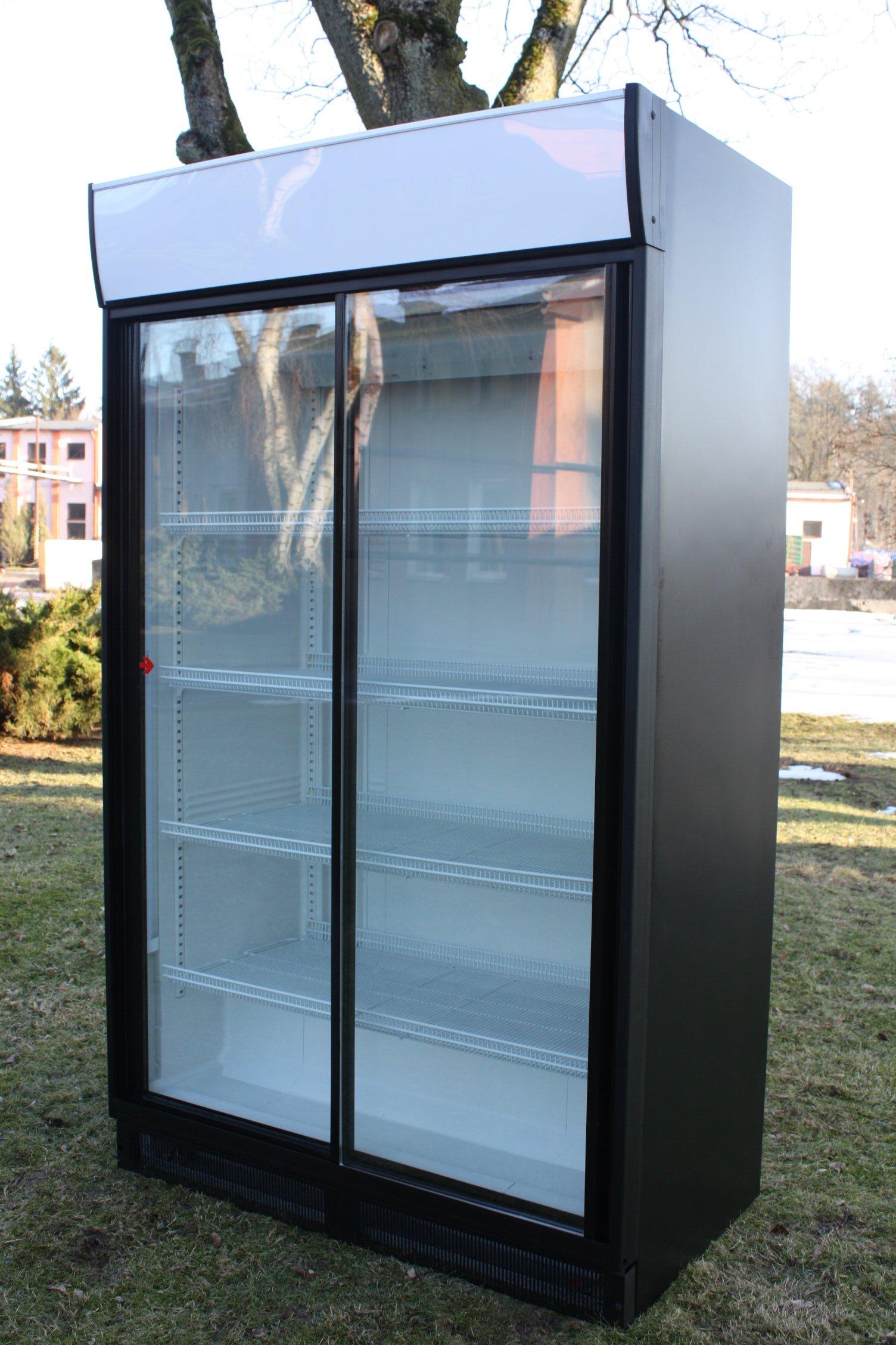 Chłodziarki lodówki witryny chłodnie szafy HELKAMA
