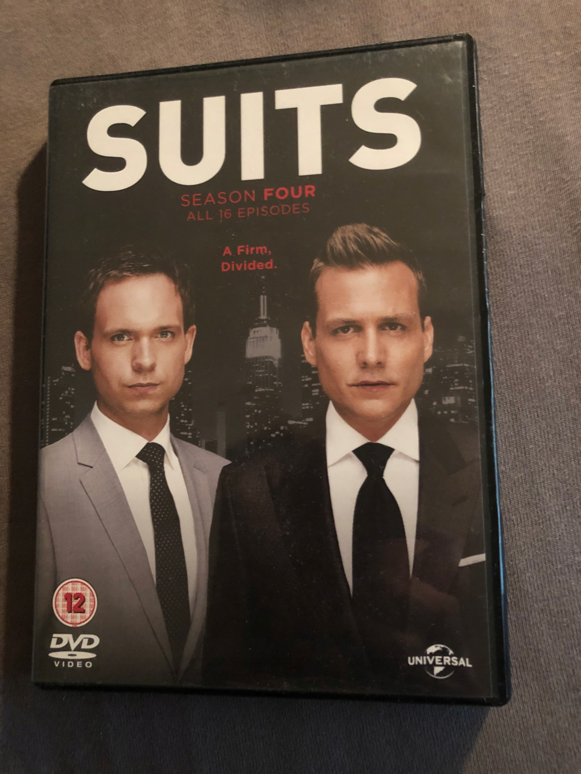 SUITS DVD sezon 4 ANG