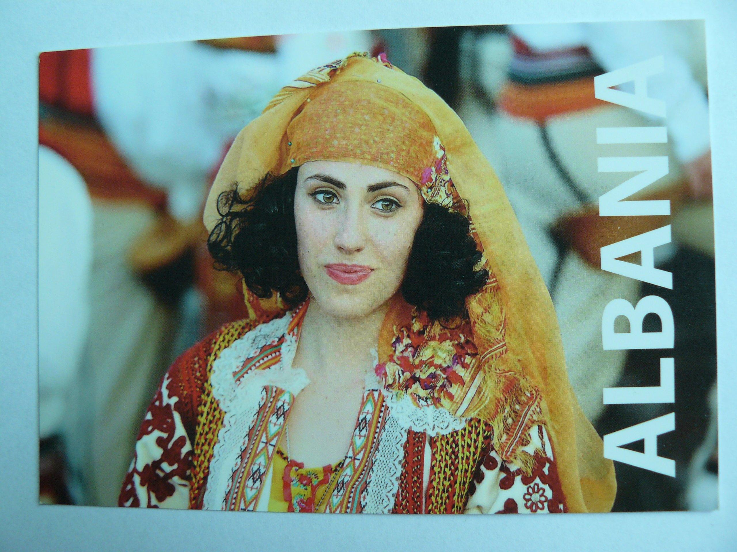 9fe95b6897b235 Albania - Piękna kobieta w tradycyjnym stroju - 7364902531 ...