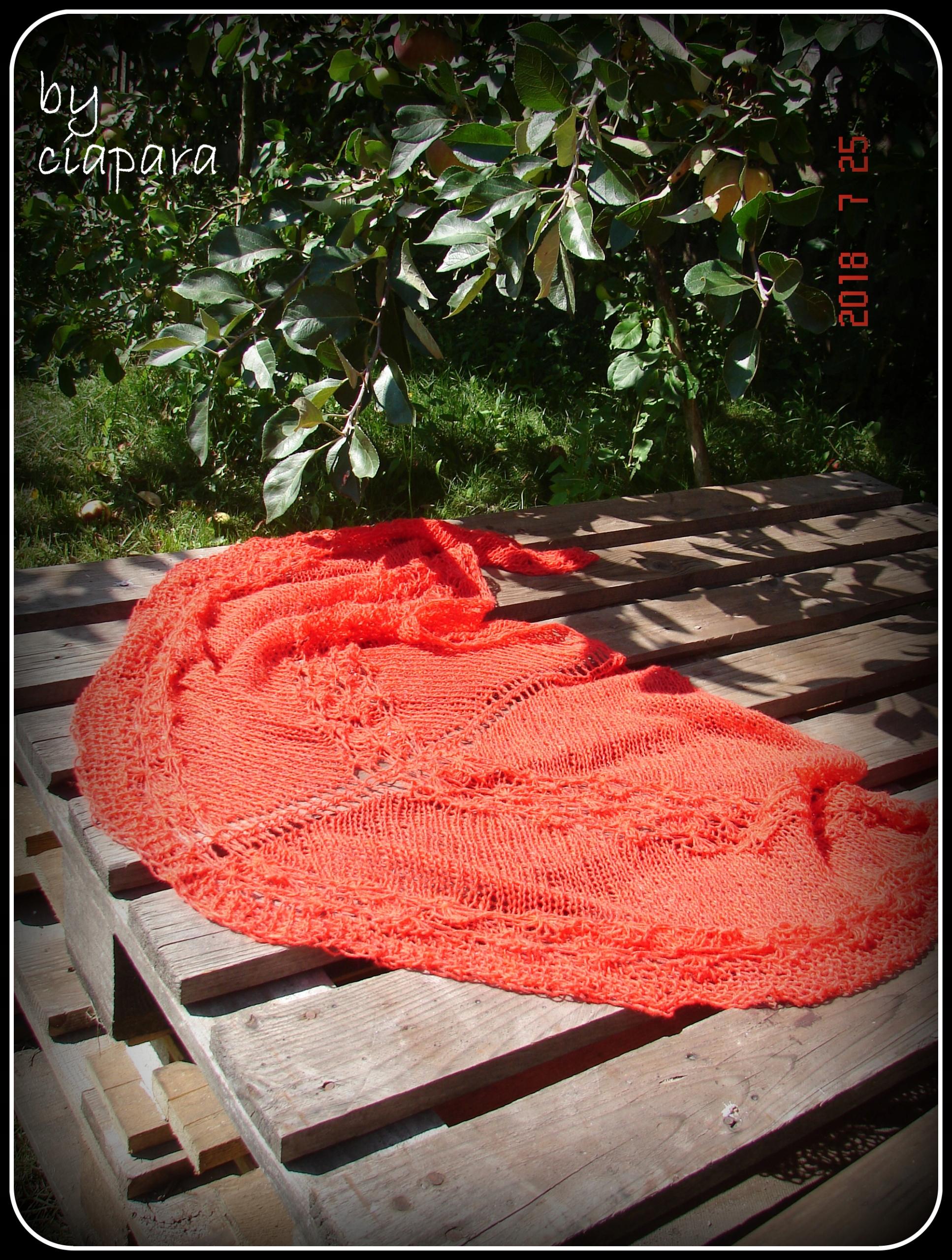 chusta na drutach rękodzieło autorska czerwona