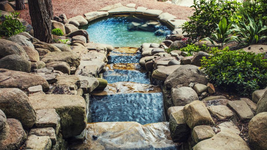 Fontány, potoky a kaskády - urobte z jazera úctu