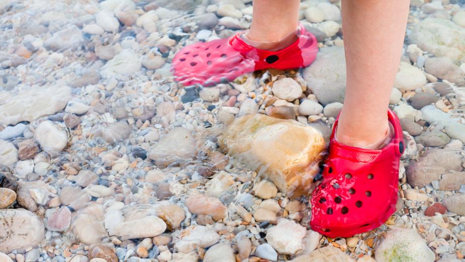 Crocs – idealne buty na lato dla dziecka
