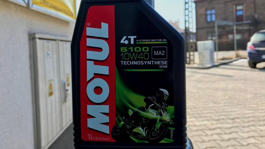 782880ad3e3b95 Olej silnikowy do motocykla – co oznaczają symbole na etykiecie ...