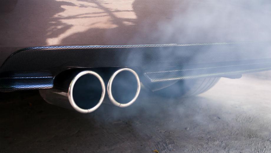 Co Oznaczają Kolory Dymu Z Rury Wydechowej I Jak Musisz Reagować