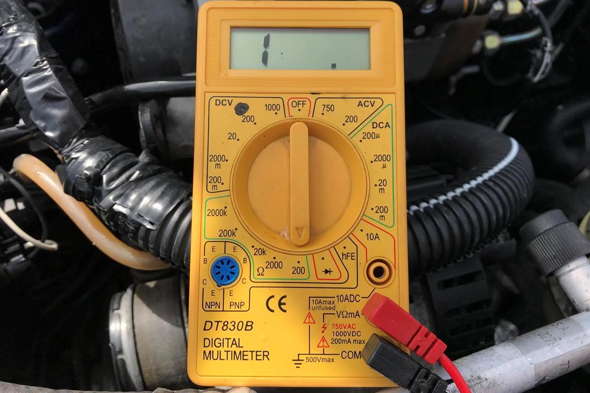 Podłączenie miernika paliwa autometru