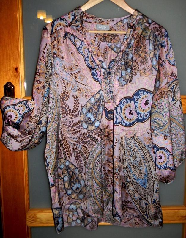 10 ciążowych bluzek, koszul i tunik na święta i sylwestra