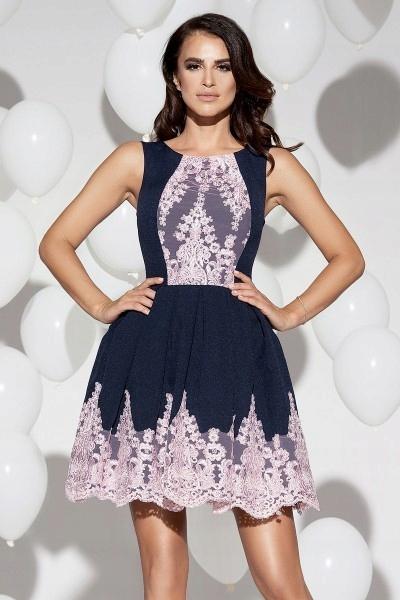 Plisowana sukienka granatowa z różową koronką L