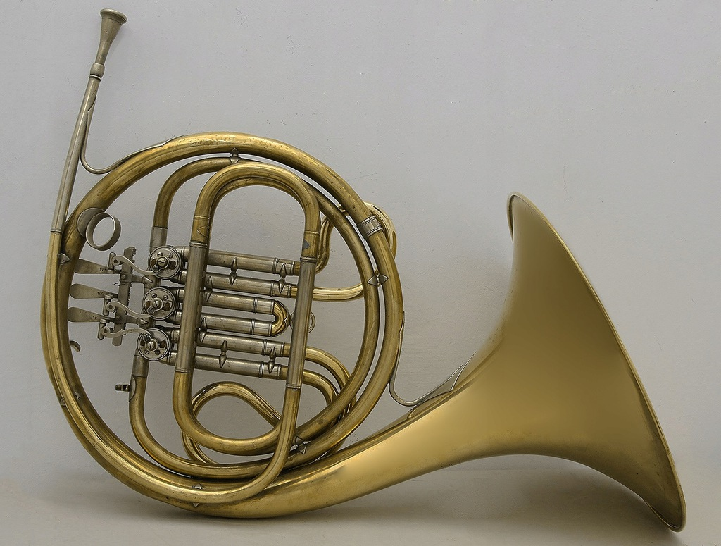 Kultowy Instrument Waltornia Amati 7004588943 Oficjalne Archiwum Allegro