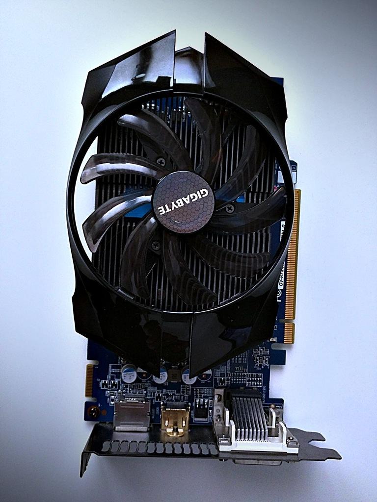 Gigabyte Radeon R7 260X OC, 1GB GDDR5 jak GT 1030