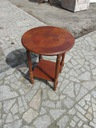 elegancki stolik fornirowany