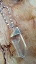 Wisiorek zawieszka kryształ w oprawie bryłka