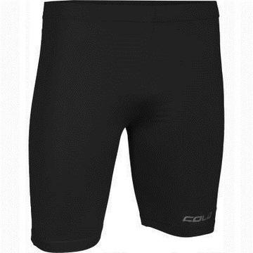 Colo podporuje futbalové šortky s lajkry r m