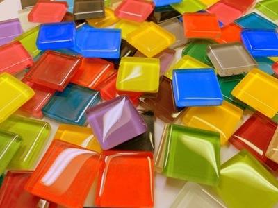 Мозаика стеклянная красочная 1 ,1кг примерно 110 кубов