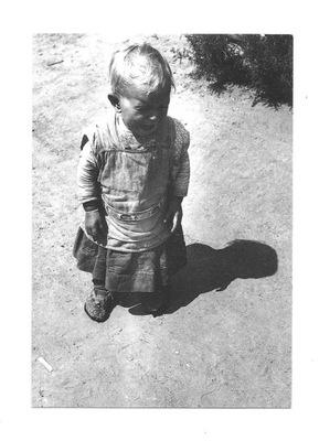 Pocztówka - Eva Besnyo, Płaczące dziecko / Węgry